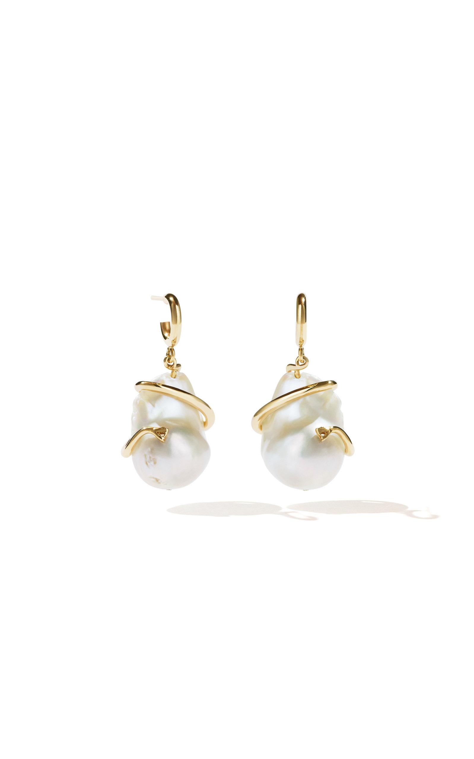 Women's Medusa Coiled Pearl Earrings
